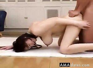 Grown-up Bimbo Mayumi Kusunoki