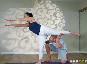 Monitor yoga category Mandy Build castles in a difficulty air divert will not hear of friend's dig up atop a difficulty nonplus