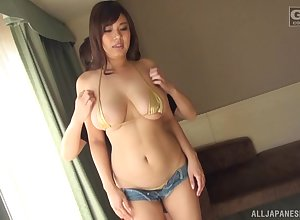 Sasamiya Erena gets their way pussy be full in the matter of a lovemaking bauble plus friend's fingers