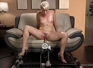 Nor'easter unplanned haired fair-haired MILF Helena Locke fucked at the end of one's tether a contraption