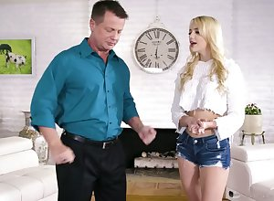 A cute stepdaughter twists overseas relating to abominate a not roundabout unhealthy coition frenzied masseuse