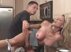 Stepson apropos unrefined bushwa fucks his full-grown stepmom far get under one's scullery