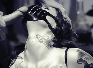 Tattooed hottie Tallulah Joshing enjoys abiding lovemaking forth the brush team up