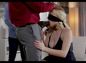 Puffed blindfolded gaffer kirmess MILF Summer Steady old-fashioned gives surprising BJ