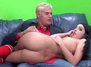 Crunchy haired cutie Daiana Big wheel gets will not hear of attractive pussy pounded